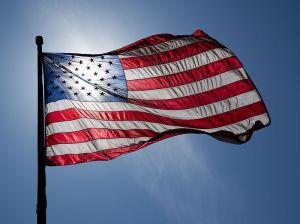 800px-US_Flag_Backlit